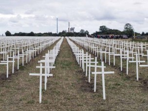 a-minute-of-silence-crosses