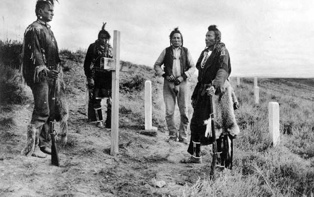 native-americans-ay-graves