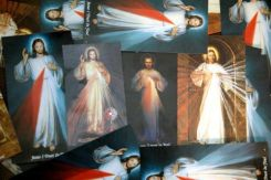 different Divine Mercy images